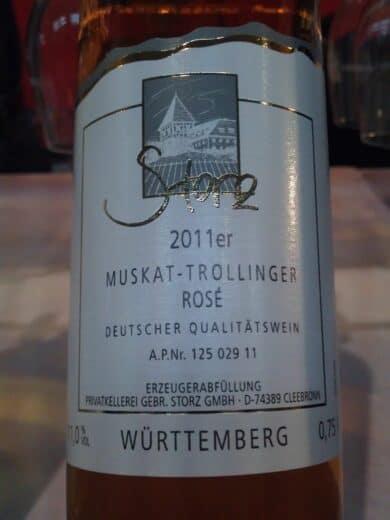 Bild einer Flasche Muskat-Trollinger Rose vom Weingut Storz (Cleebronn)