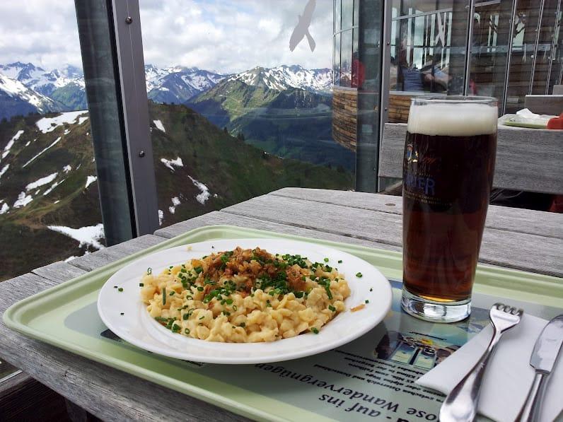 Urlaub in Oberstdorf: Das Panoramarestaurant an der Bergstation der Kanzelwandbahn