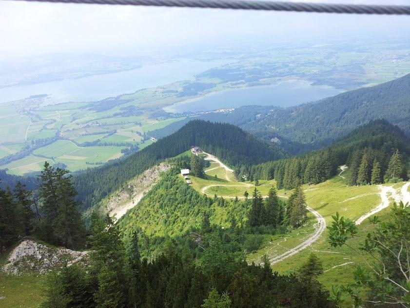 Blick auf die Seenlandschaft und die Rohbachhütte