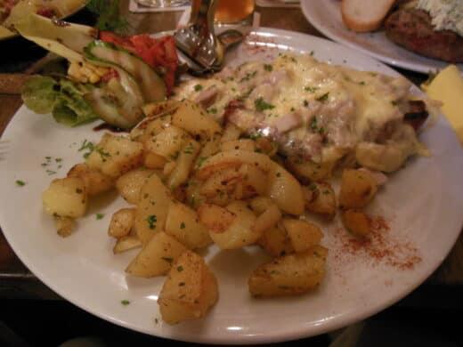 Steak im Stilbruch - überbacken mit Käse
