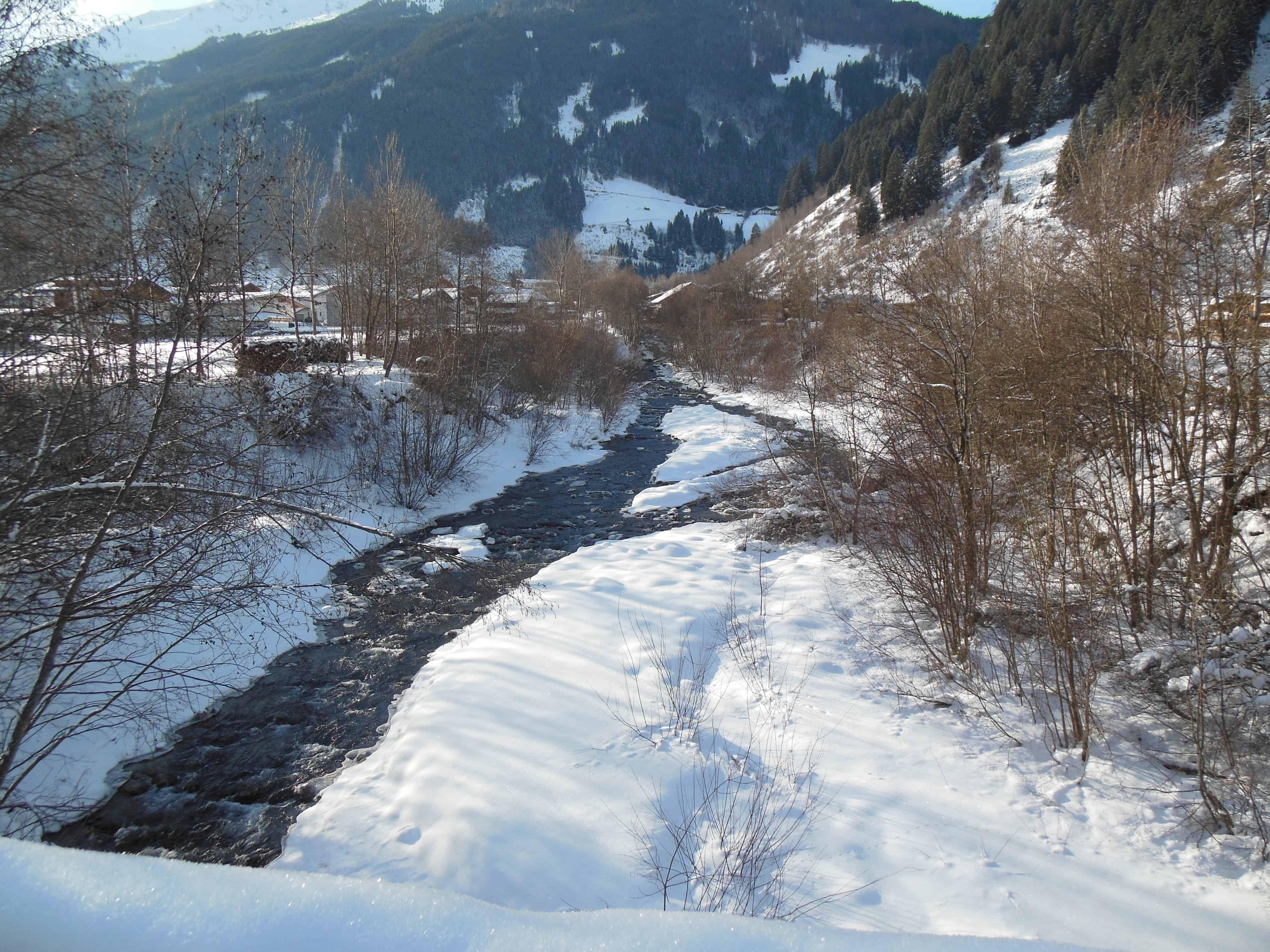 Bild vom Fluss Ruetz, die durch das Stubaital fliesst