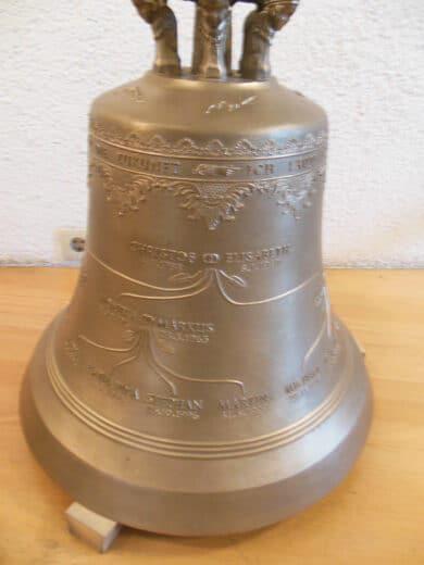 Eine der Glocken im Glockenmuseum Innsbruck