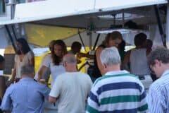 Abends am Bierwagen am Sonntag beim Sommerfestival der Kulturen 2013