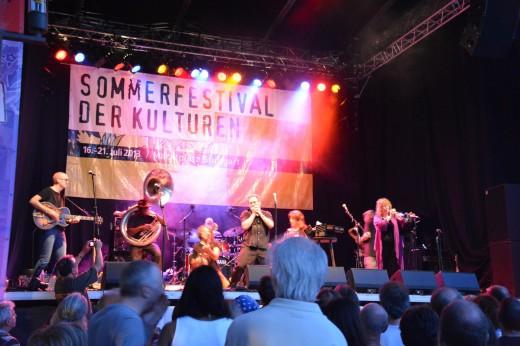 Bild von Hazmat Modine (USA) beim Sommerfestival der Kulturen 2013