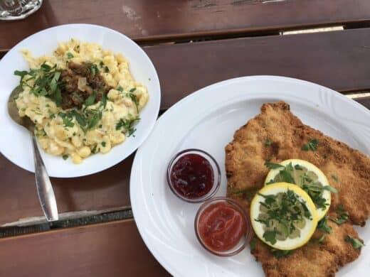 Schnitzel mit Kässpätzle...
