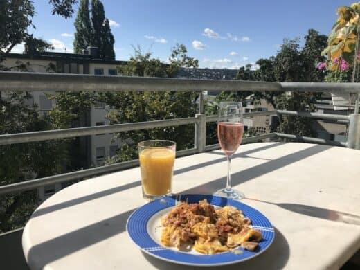 Gemütliches Frühstück auf dem Balkon?