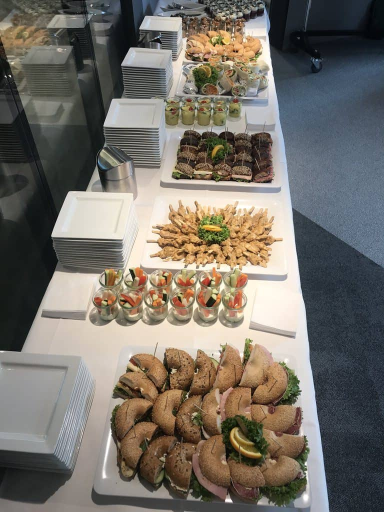Essen vom Lieblingscaterer Esskultur bei der Vorabendparty des Barcamps Stuttgart 2018