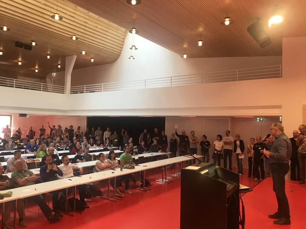 Schlage bis zum Ende des Saals während der Sessionplanung auf em Barcamp Stutttgart 2018