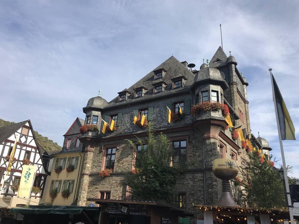Das Rathaus Oberwesel zählt ja auch zu den schönsten Deutschlands, oder?