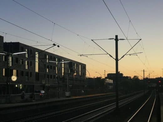 Bahnromantik beim Sonnenuntergang in Fellbach am Bahnhof