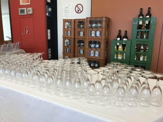 Getränke stehen ebenfalls bereit für die Gäste