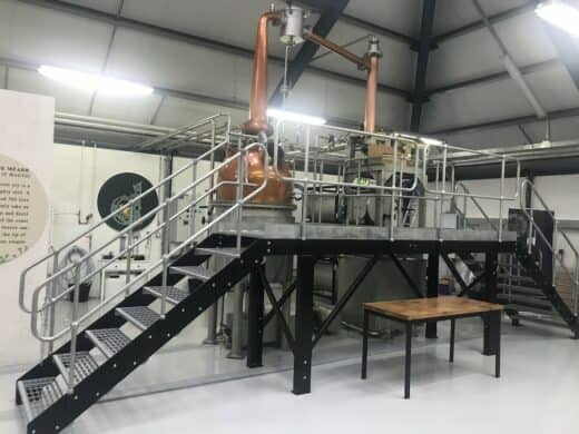 Brennkessel in der Sliabh Liag Distillery
