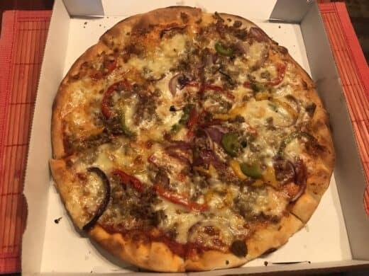 Pizza vom Lieferdienst La Perla in Wächterstrasse Stuttgart