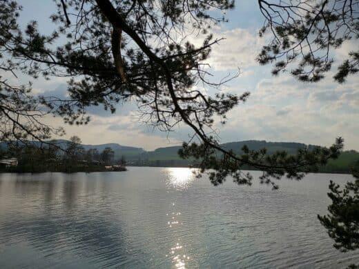 Sonnenuntergang am Diemelsee auf der Liebesinsel