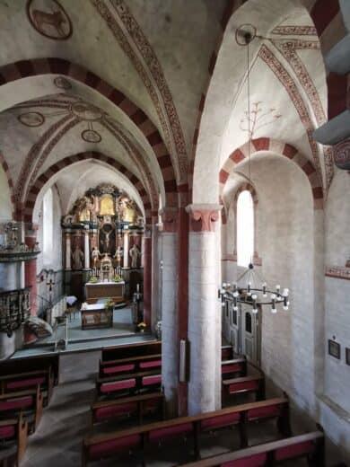 Die Kirche in Wormbach von innen oben