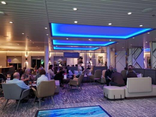Lumas Bar in der Mein Schiff 1 - vor allem zu Beginn des  Abends immer gut besucht