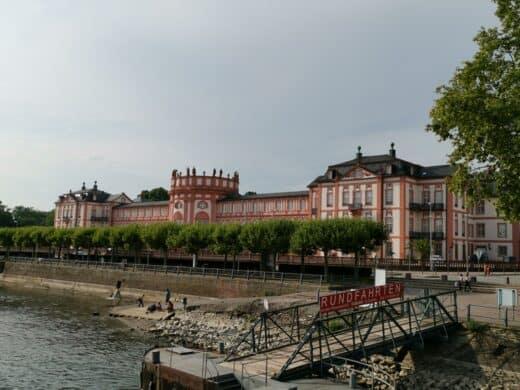 Schloss Biebrich in Wiesbaden - sollte ich mir auch mal anschauen