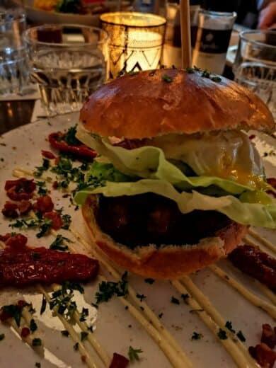 Burger im La Plume