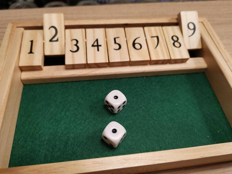 So ziemlich das übelste, was man in der zweiten Runde nach einer 11 würfeln kann ;)