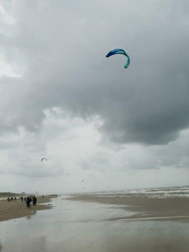 Der Parnassia Strand mit zahlreichen Kitern