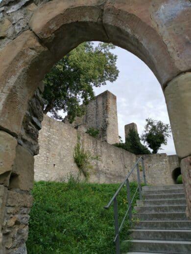 Burgruine in Hofen
