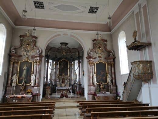 Und die Wallfahrtskirche St. Barbara von innen