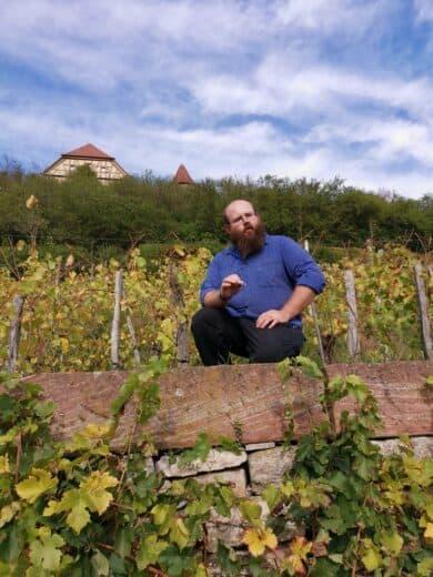 Winzer Johannes Thürauf beim Weinspaziergang