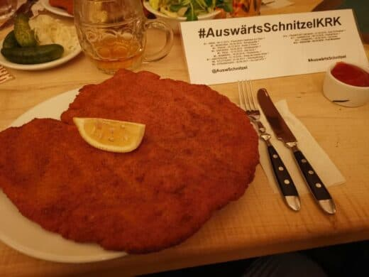 Das Auswärts Schnitzel imPod Wawelem Kompania Kuflowa