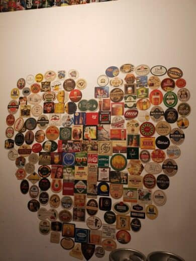 Herz aus Bierdeckeln im Bier & Bierli in Wien