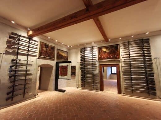 Ein kleiner Teil der Waffensammlung auf der Burg Forchtenstein