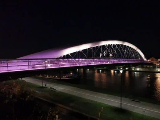 Liebesbrücke in Krakau bei Nacht