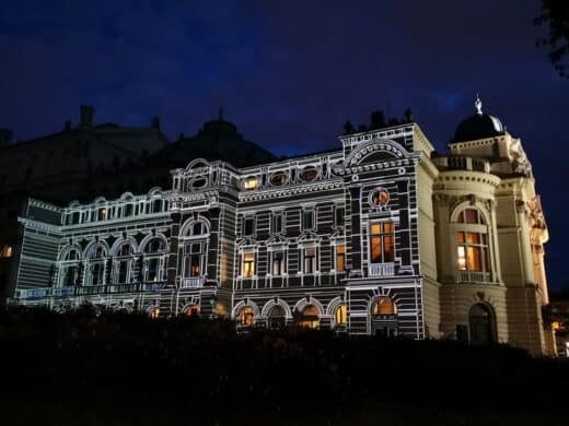 Oper Krakau bei Nacht