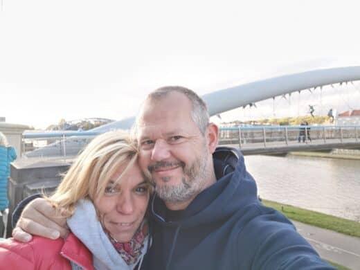 Nic und ich an der Liebesbrücke
