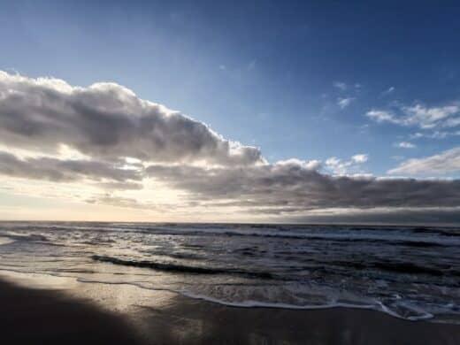 Unerwartet gutes Wetter erfordert eine kurze Arbeitspause und Erholung am Strand