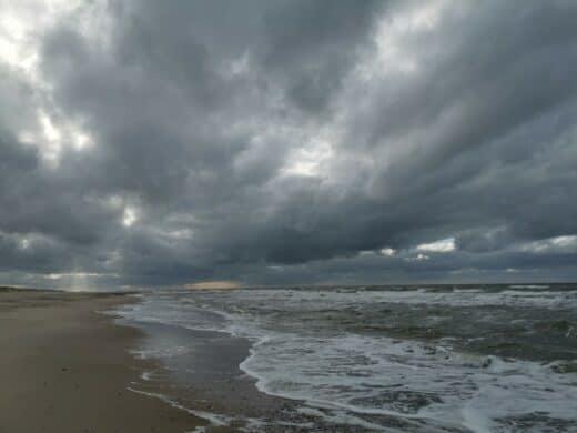 Sidselbjerg Strand mit heftigen Wolken