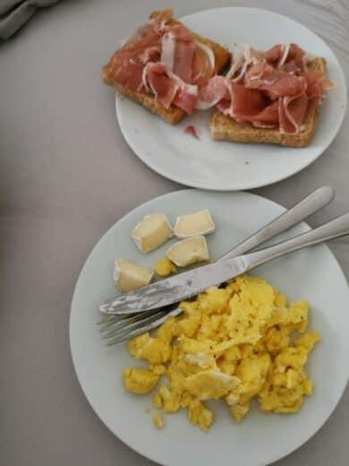 Gemütliches Frühstück im Bett 😊