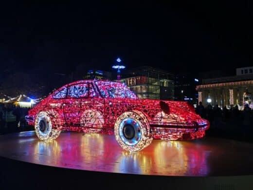 Das Porschemuseum bei den Stuttgarter Glanzlichtern auf dem Schloßplatz