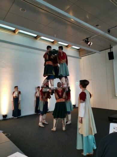 Tanzformation aus Montenegro