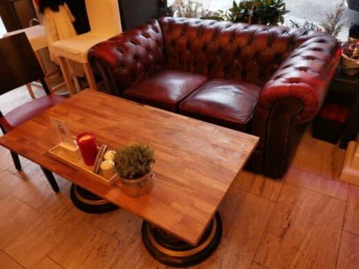 Sofa im Pianocafe Lysdorss