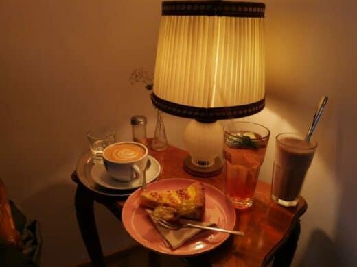 Kaffee und Kuchen im Gustav