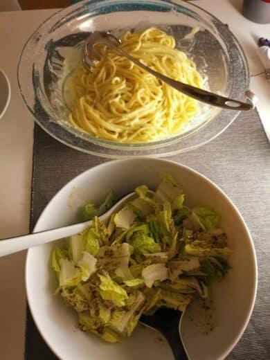 Pasta Gorgonzola und Salat