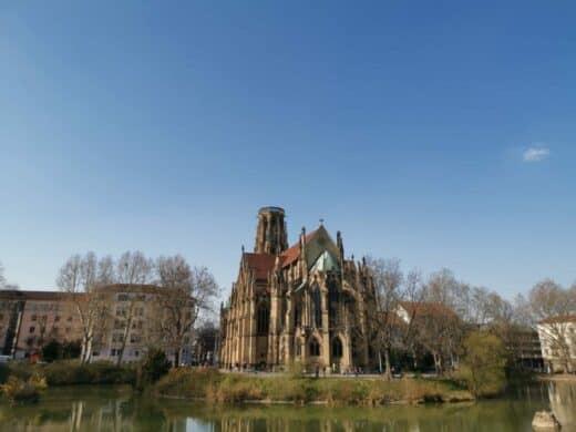 Die Johanniskirche am Feuersee