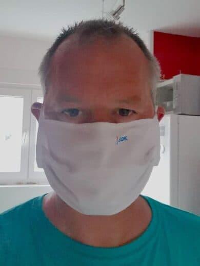 Ich mit SDK Mund-Nasen-Schutz