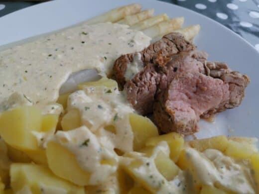 Spargel, neue Kartoffeln und Schweinefilet
