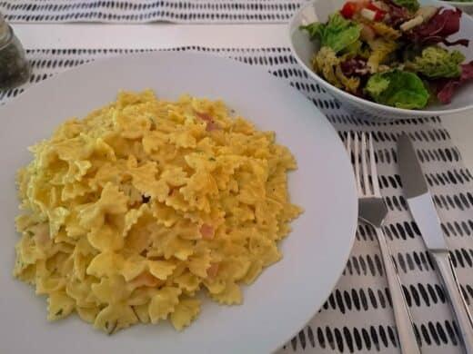 Pasta mit Schinken-Lauch-Käse-Sahne-Soße