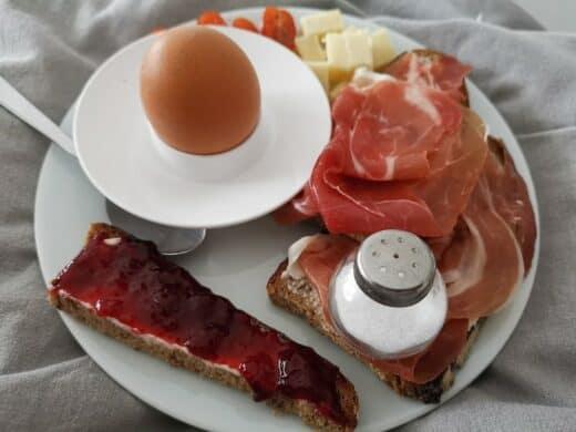 Leckeres Frühstück im Bett