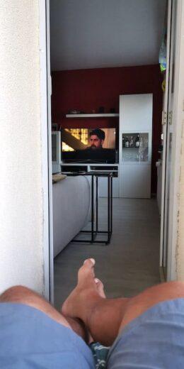 Fernsehen vom Balkon aus