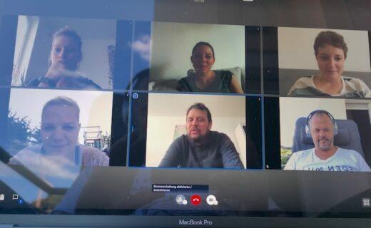 EInfach mit dem handy abfotografiert, den Bildschirm während der Videokonferenz