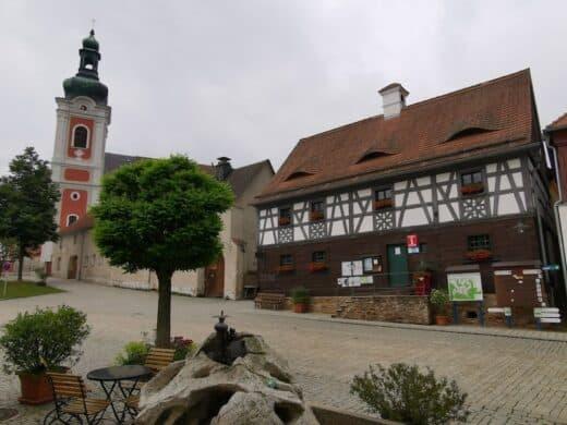 Startpunkt unserer Wanderung, die Gästeinfo Bad Neualbenreuth