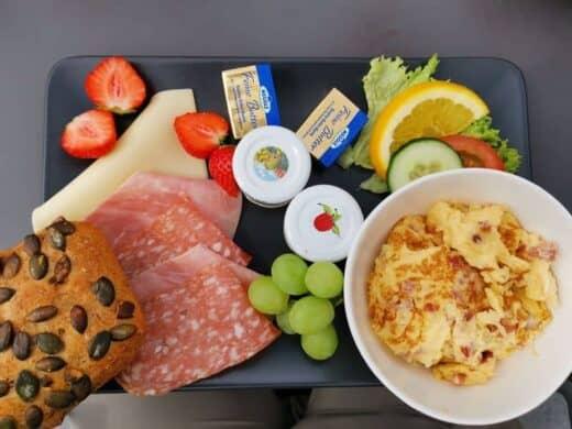 Frühstück im Cafe am Domfelsen